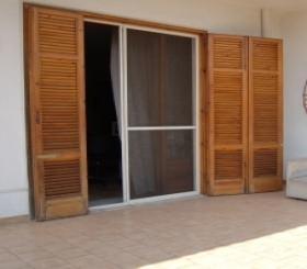 Il recupero degli infissi in legno:Un infisso esterno mal conservato