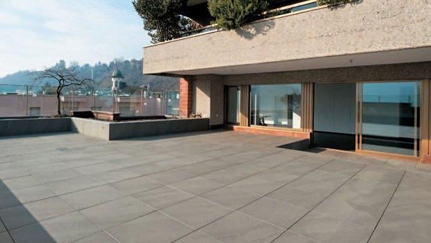 Pavimenti sopraelevati da esterno for Pavimenti terrazzi