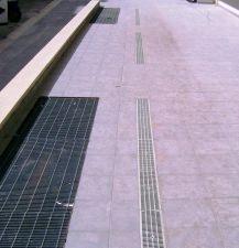 griglie di areazione scannafosso poste a pavimento esterno