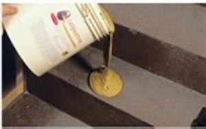 applicazione di Calpestina (Ghirotto Tecnologie Edili) - foto estratta dal volantino del prodotto