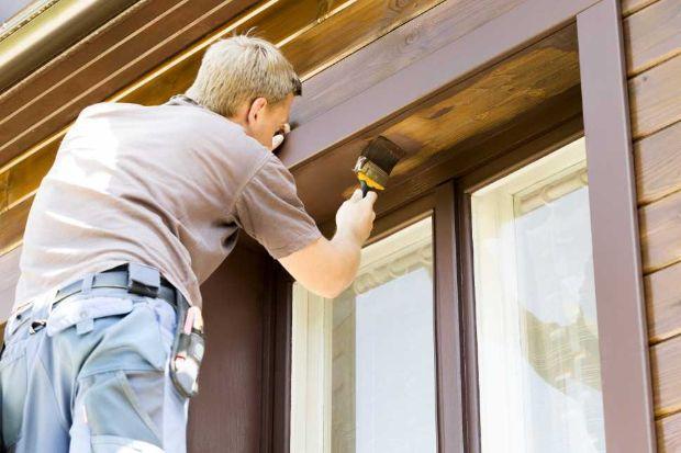 Verniciatura serramenti in legno
