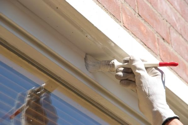 Verniciare finestre in legno