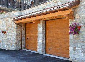 Portone sezionale per garage Ditec