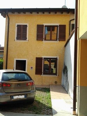 Spazio per stendibiancheria: Casa senza balconi.