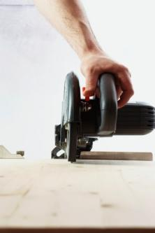 Sega circolare taglio mattonelle per sostituzione cassetta wc