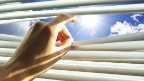 Utilizzo di schermature solari orizzontali e verticali