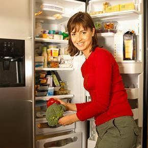 conservare cibi in un frigorifero