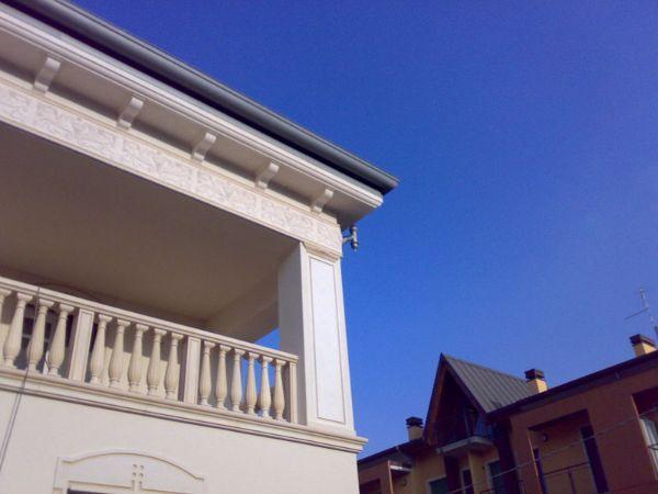 Villa a Verona con decori in polistirolo Dekorbau