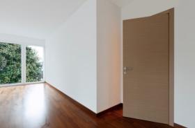 Inquilino appartamento e danni for Locatario e conduttore
