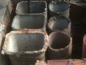 Vecchie tubazioni in cemento amianto