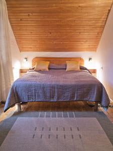 Rivestire soffitti con perline in legno