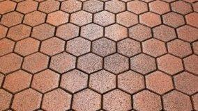 Pulizia del pavimento in cotto