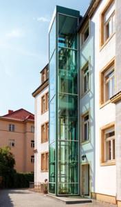 Istallazione di ascensore Kone su edificio esistente
