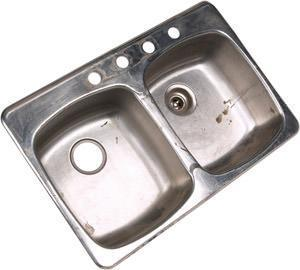 lavello in acciaio da pulire