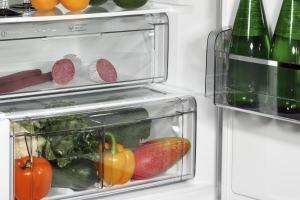 particolare cassetti interni frigorifero
