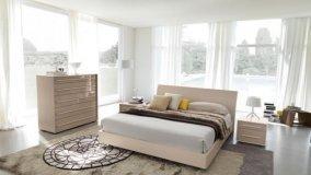 Posizionare il letto al centro della stanza