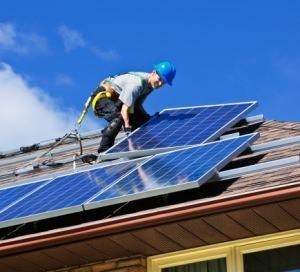 installazione pannelli fotovoltaici sui tetti di Bologna