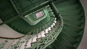 Le scale in condominio sono di tutti se l'atto d'acquisto non è contrario