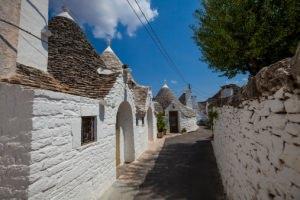 Puglia: architettura locale rifinita con intonaco bianco