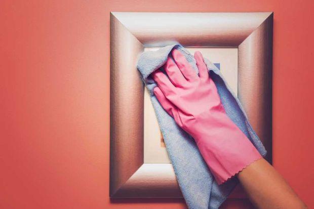 Pulizia dei quadri: si posso pulire con uno straccio solo se protetti dal vetro