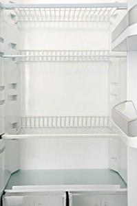 vuotare il frigo per il trasloco