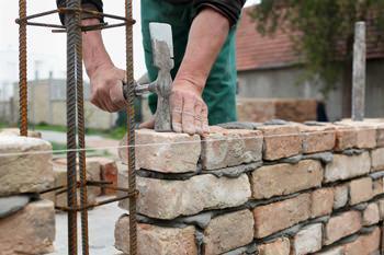 Costruire un muretto for Come costruire una cabina di pietra