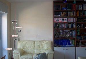 Parete/libreria con divano. Stato di fatto.