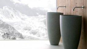 Acqua e pietra per il bagno