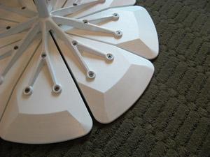 Petal Table di Shultz