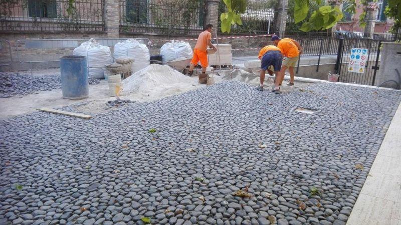 Prezzo pavimentazione di ciottoli marino di roma for Ciottoli di pietra bianca per giardino prezzo