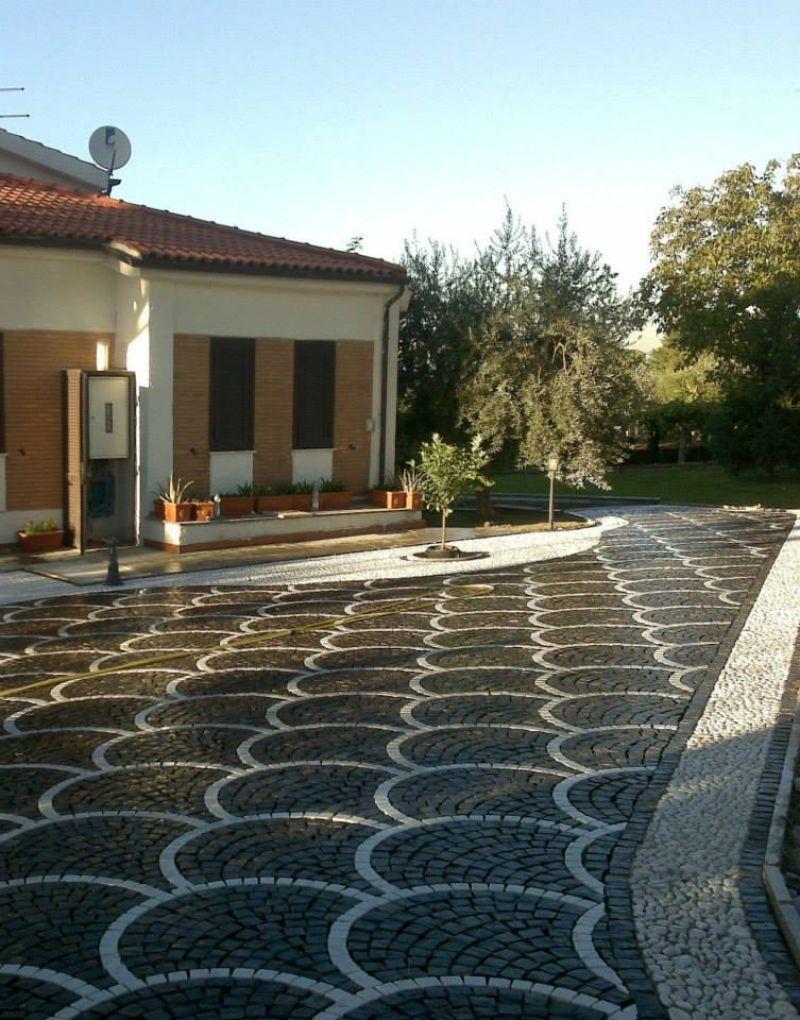 Pavimentazione a coda di pavone, Marino di Roma 2