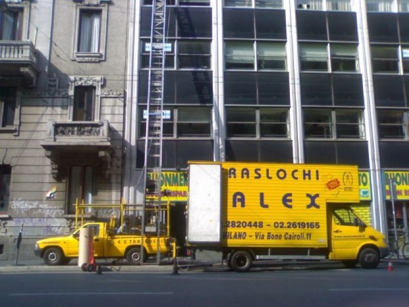 Traslochi modifiche mobili Milano 5
