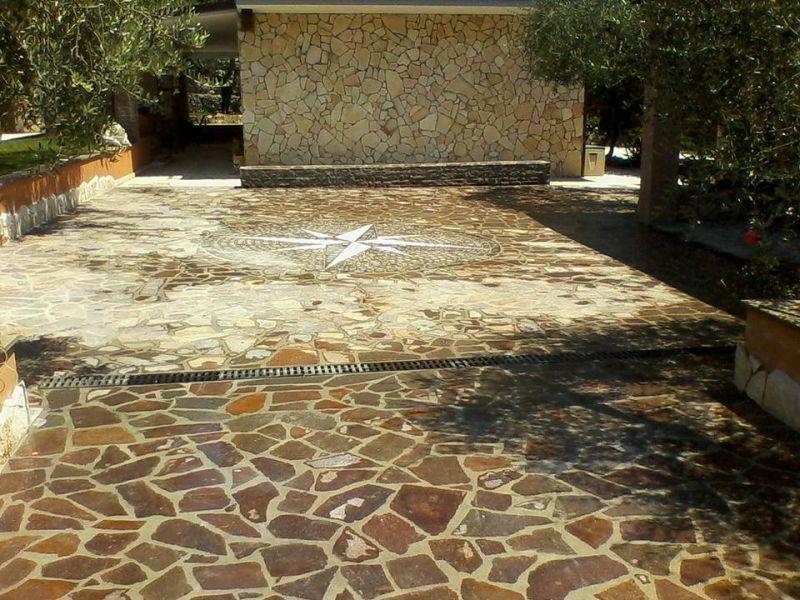 Rivestire con la pietra di Trani, Marino di Roma 1