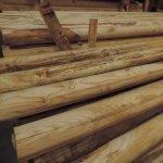Mezzi pali scortecciati in legno castagno garanzia