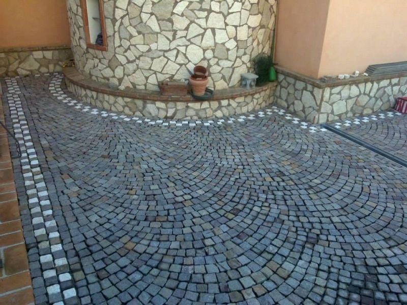 Fornitura e posa cubetti di porfido Marino di Roma 1