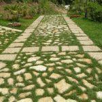 Pietra di Trani irregolare per camminamenti