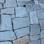 Pavimento esterno, mosaico di pietra di luserna