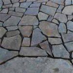 Pavimento esterno in porfido a mosaico