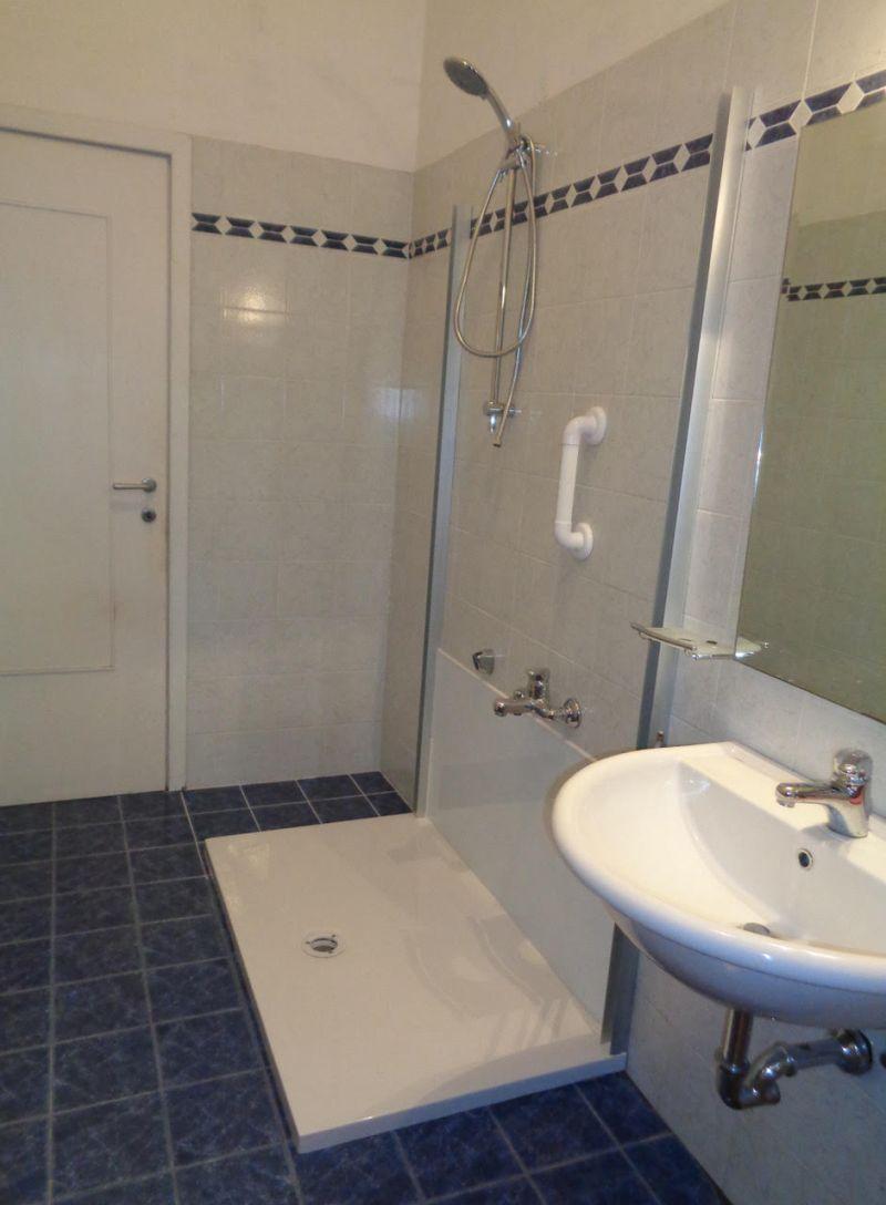 Modifica vasca da bagno in doccia 28 images prezzo modificare la vasca in box doccia roma - Modifica vasca da bagno in doccia ...
