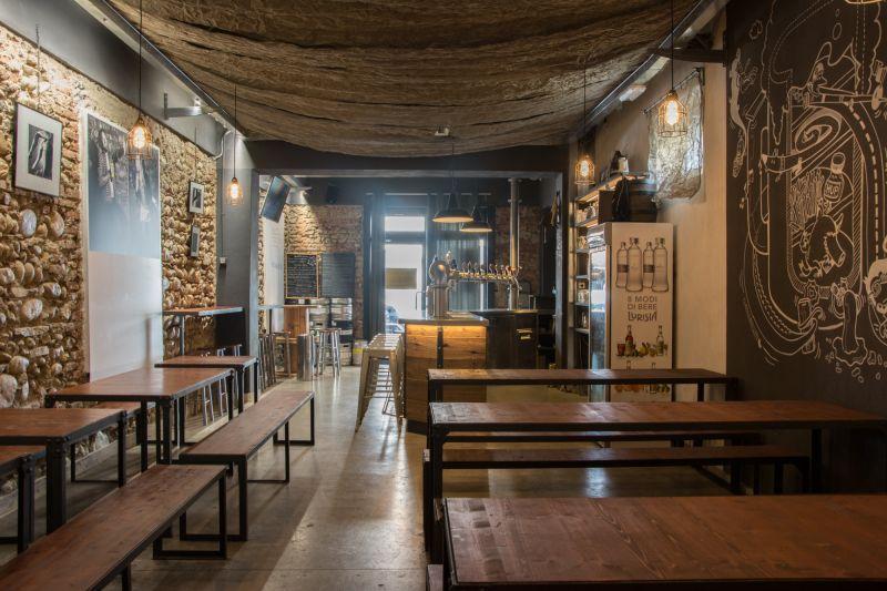 Ristrutturazione negozi e pub Milano e provincia 3