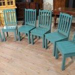Gruppo di sedute in legno dipinto azzurro