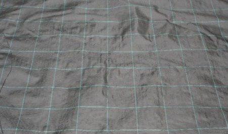 Agritela nera tessuta quadrettatura verde larghezza 120 1