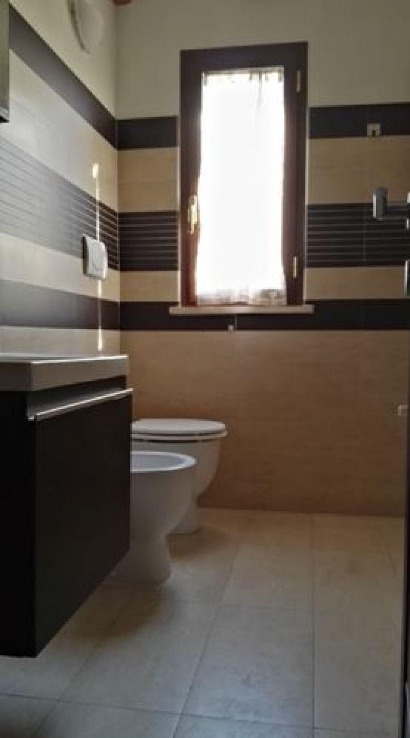 Posa pavimento e rivestimento bagno Roma 1
