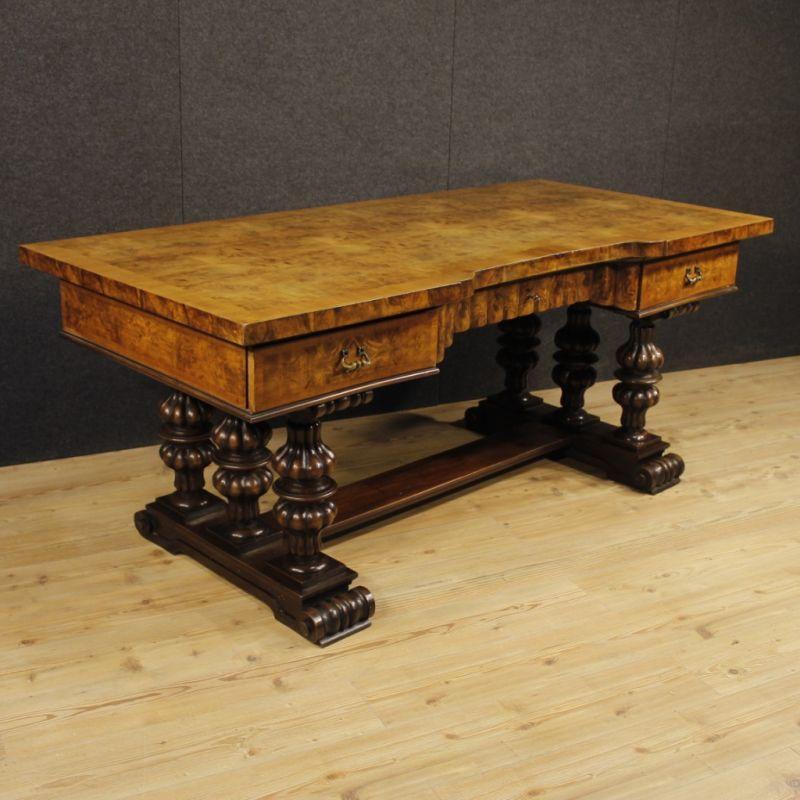 Scrittoio antico di legno 2