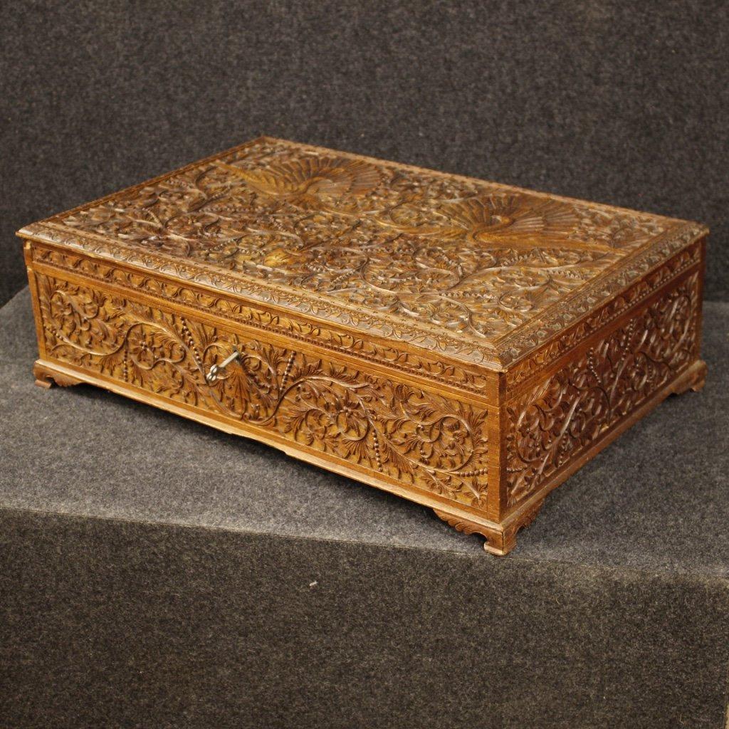 Scatola indiana in legno orientale scolpito e 1