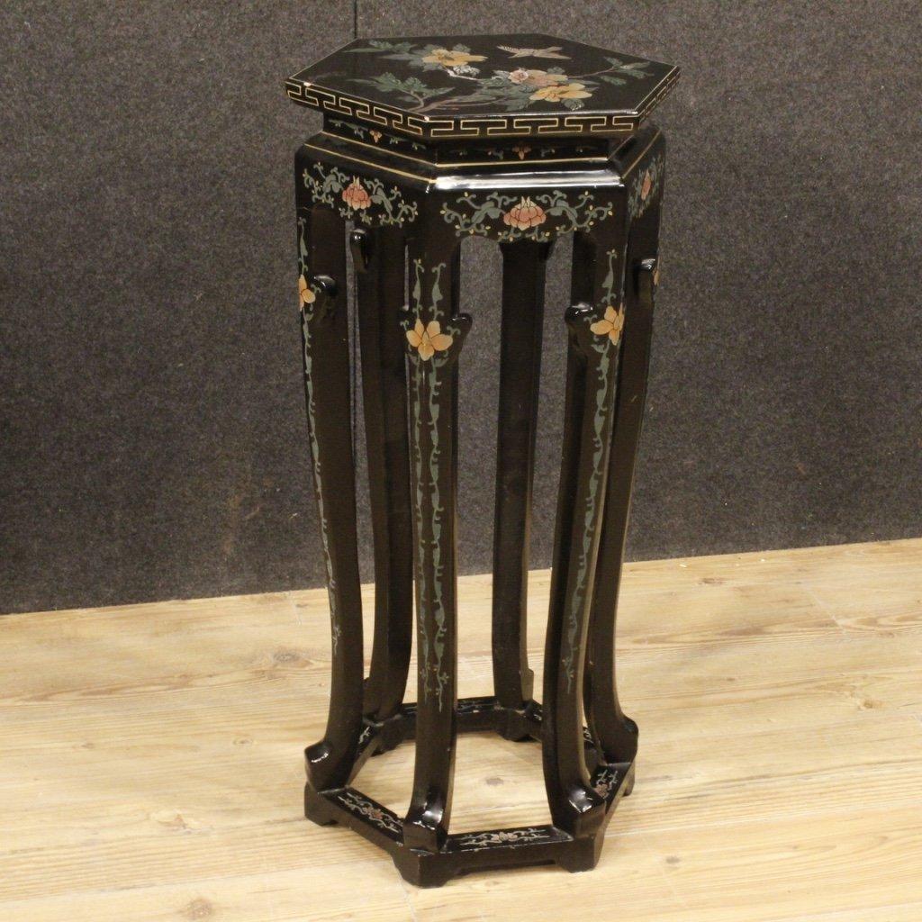 Tavolino francese in legno laccato e dipinto 1