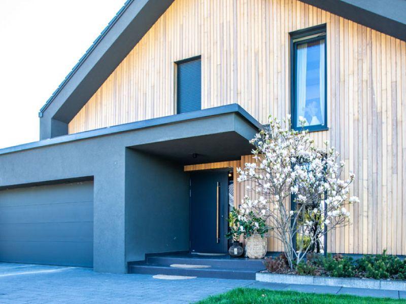Porte d'ingresso con pannello applicato in alluminio 1