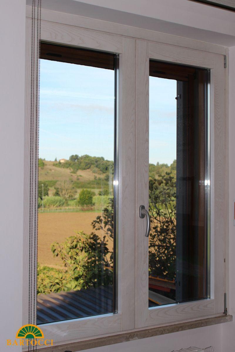 Prezzo finestre di legno alluminio su misura sinthesi prezzo finestre di legno alluminio su - Finestre a doppio vetro ...