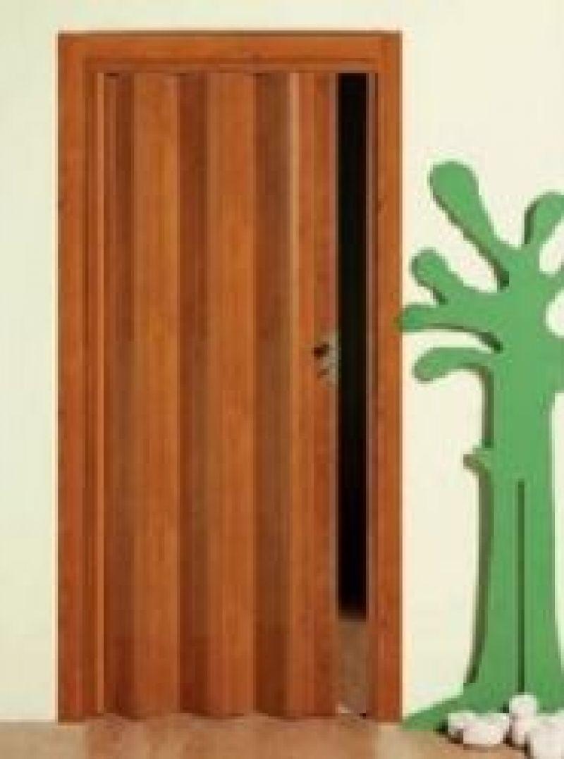Porta scorrevole a soffietto DELTA con vetri decorati 4