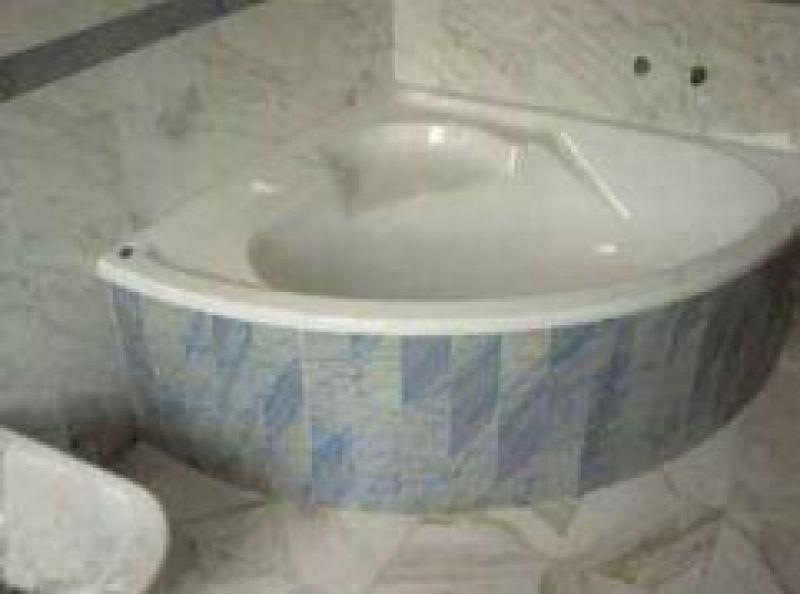Rivestimenti vasca quarzite Carrara 2